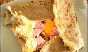Galettes au jambon œuf fromage