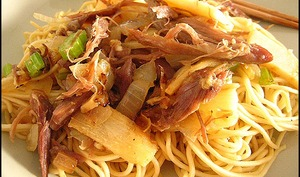 Sauté de canard aux nouilles chinoises