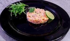 Tartare de saumon à la mangue et au citron vert