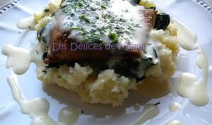 Filet de saumon, purée aux lardons, épinards et sauce sabayon