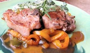 Côtes d'agneau grillées, poivrons confits et gratin d'épinards