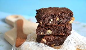 Brownies ultra-gourmands chocolat, noix de coco & noix { Sans lactose & sans gluten }