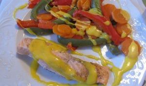 Saumon sauce safranée jardinière de légumes
