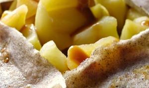 Galettes au sarrasin, pomme caramélisée et confiture de lait