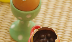 Oeufs chocolat coulant, mouillettes de pain perdu