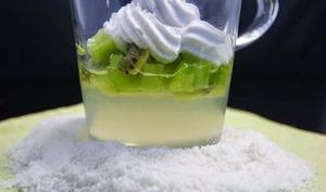 Verrines, eau de coco magique...kiwi et chantilly de lait de coco