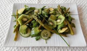 Salade verte avocat, asperges haricots verts, kiwis,concombre, roquette