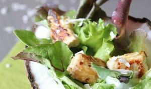 Salade de poulet noix de coco