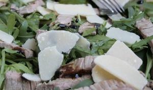 Salade roquette, boeuf et parmesan