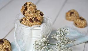 Biscuits végétaux aux flocons d'avoine, raisins secs et noix de cajou