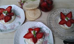 """Tartelettes aux fraises """"minute"""""""