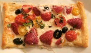 Tartelettes salées fraises, tomates, mozzarella huile d'olive, basilic