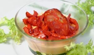 Panna cotta aux poivrons, chips de chorizo