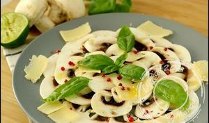 Carpaccio de champignons au parmesan