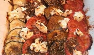 Tian de courgettes, aubergines, tomates et chèvre frais