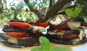 Petites tours d'aubergines et de mozzarella au four