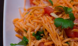 Salade façon thaï à la patate douce crue