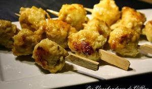 Yakitoris de boulettes de poulet