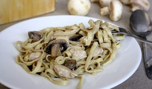 Tagliatelle aux truffes, crème poulet et champignons