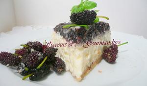 Cheesecake à la crème et aux mûres confites.