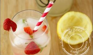 Detox water à la fraise