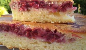 Gâteau au yaourt, citron et framboises