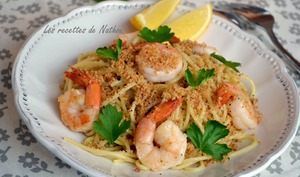 Spaghettis aux gambas et chapelure à l'ail