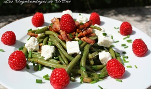 Salade haricots verts, féta, lardons et framboises