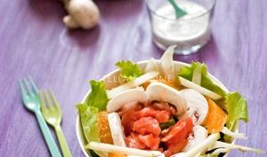 Salade sucrée salée au saumon fumé, champignons, fenouil, orange