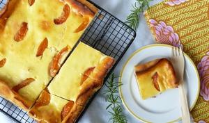 Tarte brousse/ricotta et aux abricots rôtis au romarin