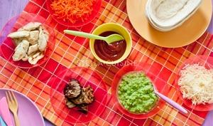 Panadillas aux petits pois, poulet curry et carottes