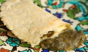 Quesadillas à l'epazote, fromage et jalapenos