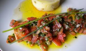 Filet de truite saumonée, sauce vierge et purée de pommes de terre aux olives