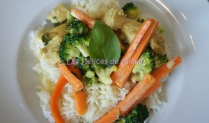 Poulet sauté au curry et aux légumes
