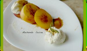 Nectarines grillées au romarin, chantilly au mascarpone