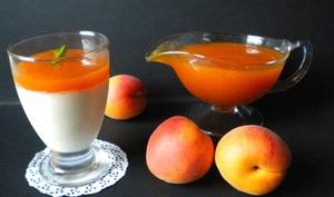 Panna cotta vanillée et son coulis d'abricots