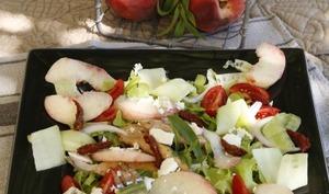 Salade de poulet aux pêches et thym citron