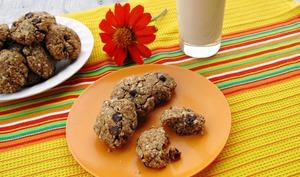Biscuits sans gluten au quinoa, noisettes et pépites de chocolat