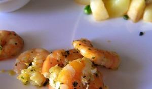 Crevettes à la coriande flambées au pastis et crème à l'anis