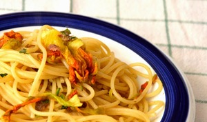 Spaghetti aux Fleurs de Courgettes et Roquette sauvage