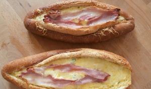 Egg boats cheddar, bacon