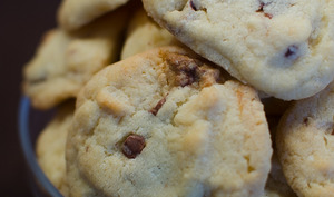 Cookies aux noix de macadamia et aux 2 chocolats