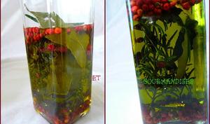 Huile d'olive parfumée maison.