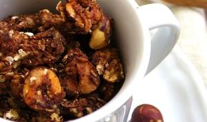 Granola coco, chocolat et noisettes au golden syrup
