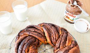Couronne torsadée de brioche Nutella