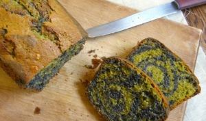 Cake marbré au thé matcha et sésame noir