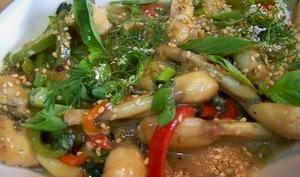 Cuisses de grenouilles au basilic Thaï et riz aux épices
