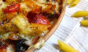 Gratin express de penne, tomates, olives noires et tartinade au comté