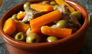 Sauté de veau aux carottes et olives au paprika