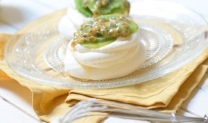 Mini pavlovas kiwi et fruits de la passion